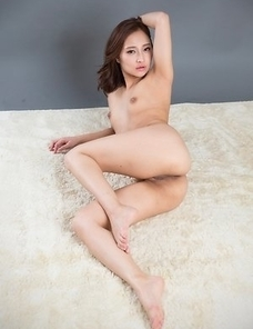 Leggy babe in pumps Uika Hoshikawa finger-blasting her tight hole on the floor