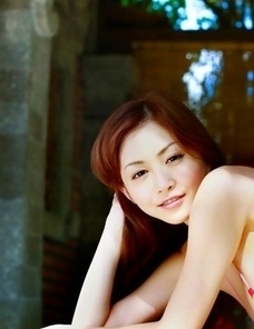 Anri Sugihara shows huge assets in colorful bra outdoor