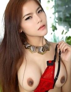 Big tits Asian cutie Veevie