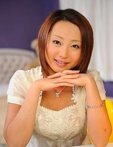 Cute You Shiraishi shows her skills