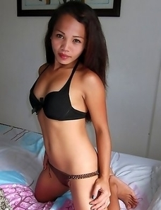 Stunning young Asian babe Mylyn