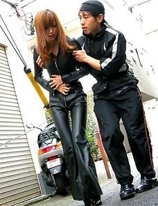 Horny Yui Igawa sucks a big pecker