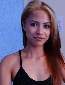 Hot and slender blonde Filipina Paula