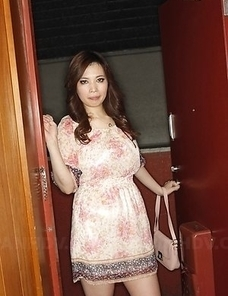Yuko Iijima shows pussy in panties under cute