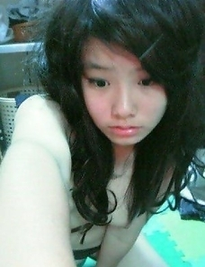 Amateur Asian chicks posing for the cam